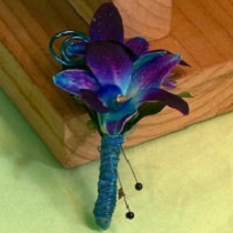 Orchid Boutonniere BF-117